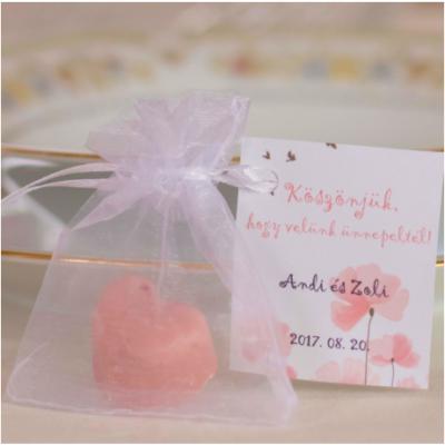 rózsaszín szív alakú köszönetajándék kézműves szappan